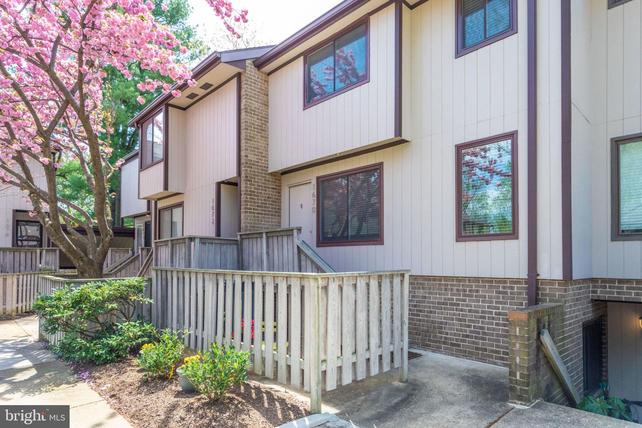 McLean school pyramid; EZ access to the McLean Metro Station... This light-filled, upper 2-level condo with 3 bedrooms and 2.5 bathrooms overlooking a lushly landscaped courtyard is one of the larger sought-after models in The Westerlies. The recently renovated kitchen includes new cabinets with elegant hardware and molding, under-cabinet lighting, recessed lighting, an extended island with added storage, Quartz countertop with 4~ backsplash, a new GE stainless refrigerator, built-in microwave, stove, dishwasher and under-counter mounted deep stainless sink. Also included with the renovation is a new GE washer and dryer and added cabinetry in the laundry area. To top off the beauty of this home is luxury vinyl plank flooring throughout the main level. Low condo fees. Extra storage under the stairs and in the attic that~s accessible via pull-down stairs. Don~t miss out on this opportunity. Open House 4/27 12p-2p and 4/28 2p-4p