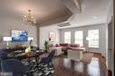 8587 Wyngate Manor Ct