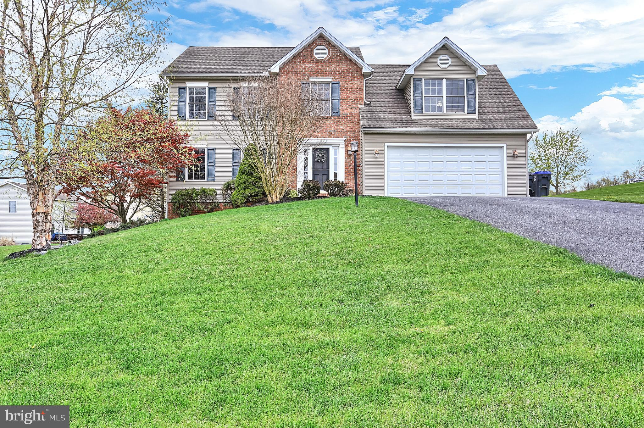 205 SUNSET DRIVE, MOUNT HOLLY SPRINGS, PA 17065