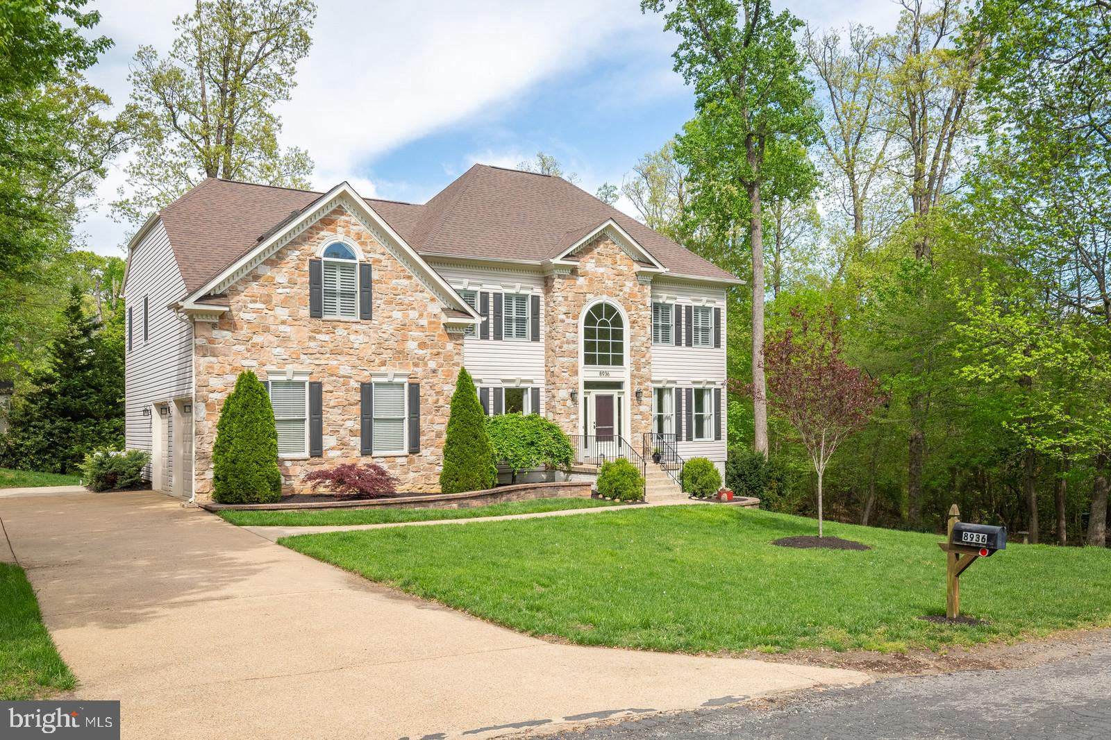 OPEN HOUSE SUNDAY APRIL 28th from 1 - 4pm.   This Home is Absolutely AMAZING! 4 Bedroom, 3.5 Bathroom Home with a 2 Car Side Load Garage on a Beautiful 1/2 Acre Lot.  Hardwood Floors on the Main Level, Great Family Room with Floor to Ceiling Stone Fireplace and Tons of Windows to Bring in the Natural Light. Kitchen: Gourmet Kitchen with Granite Counter Tops, Upgrade Maple Cabinets with Pull-out Drawers, Cooktop, Wall Oven. Main Level Home Office. Huge Master Bedroom Suite w/ His/Her Walk-in Closets & Luxury Master Bathroom. Finished Walk-Out Basement, Entertainment Area, Home Gym Area, Wine Cellar, Low Maintenance Deck, Hot Tub, Firepit Area ... The list goes on and on.  This home is Truly Amazing and in Move in Condition.. No HOA.