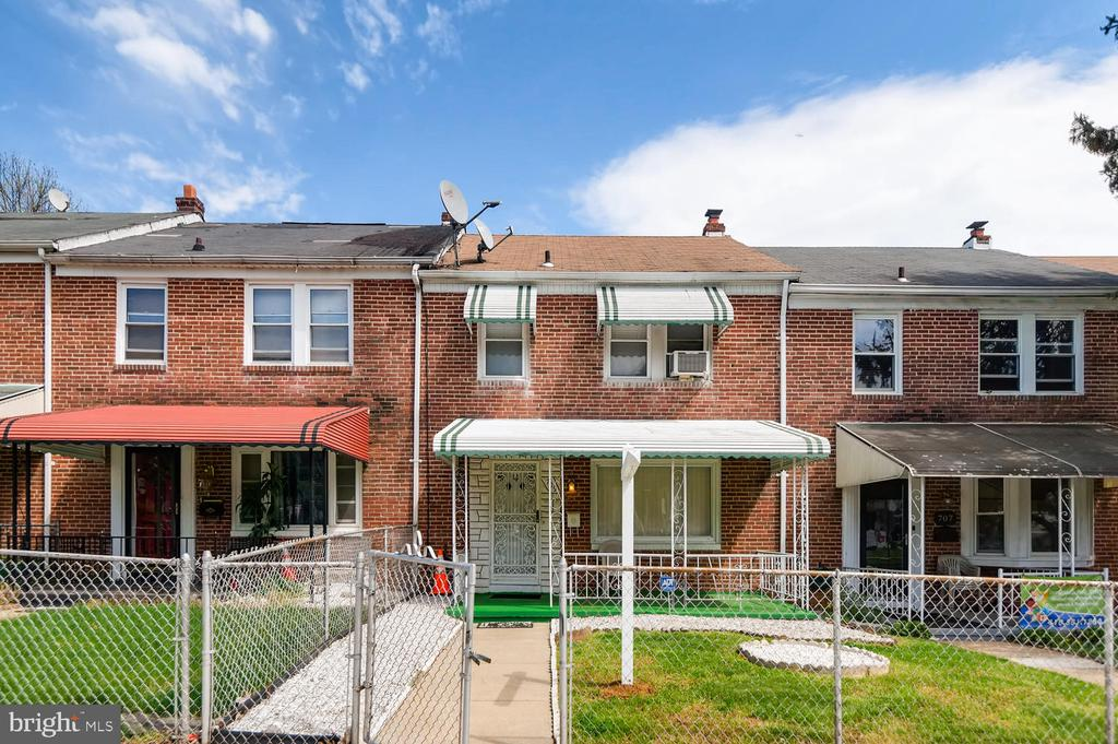 """POTENTIAL SHORT SALE - Property being """"SOLD AS IS."""" 3 bedrooms, 2 bath, finished family room, private parking for 2 cars, fenced front yard, w/w carpet, close to schools, churches, major highways, and bus lines. Come see and make an offer."""