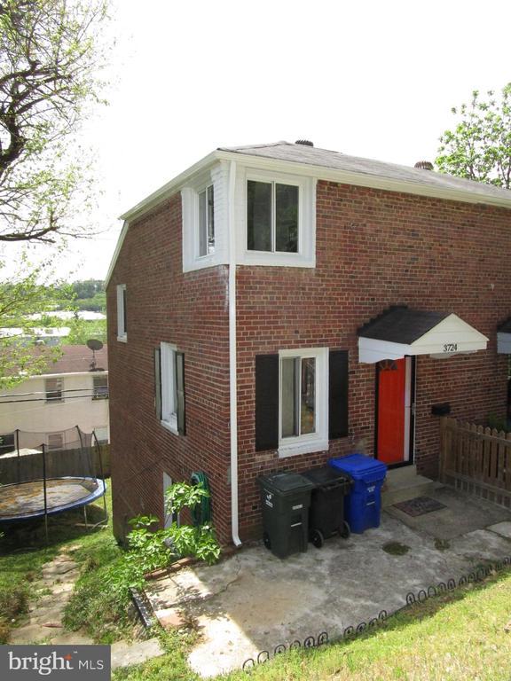 3724 S Kemper Rd, Arlington, VA 22206