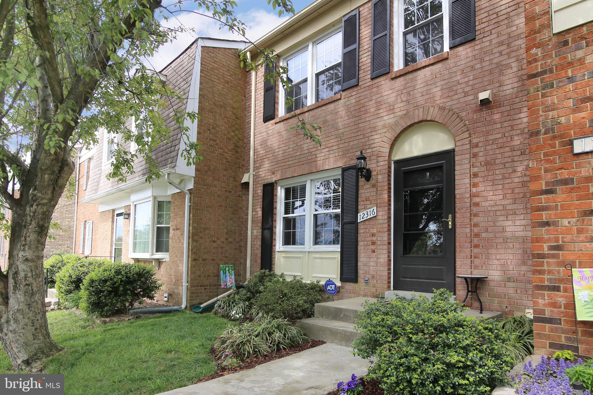 OPEN SUNDAY 1-3 PM! Updates Galore!! This immaculate townhouse has had all the major items done for you - new composite roof and siding (2017); new HVAC (2016); new washer and dryer (2018); new window coverings (2016); renovated kitchen with espresso 42in cabinets, double door pantry, granite counters and stainless steel appliances; updated bathrooms (2 full & 2 half), and hardwoods throughout the main level. You will love how the main level is open and flows from one room to another plus access to the fully fenced backyard with patio for entertaining. Upstairs boasts the master bedroom with a huge closet and ensuite, 2 bedrooms and a second full bathroom. The lower level features a cozy family/recreation room with its own half bath, separate laundry room and storage area. Altogether, this is a great home in wonderful Lake Ridge with its pools, boat ramp, sports fields/courts and tot lots. Close to schools, shops, restaurants and commuting routes. This gem won~t last!