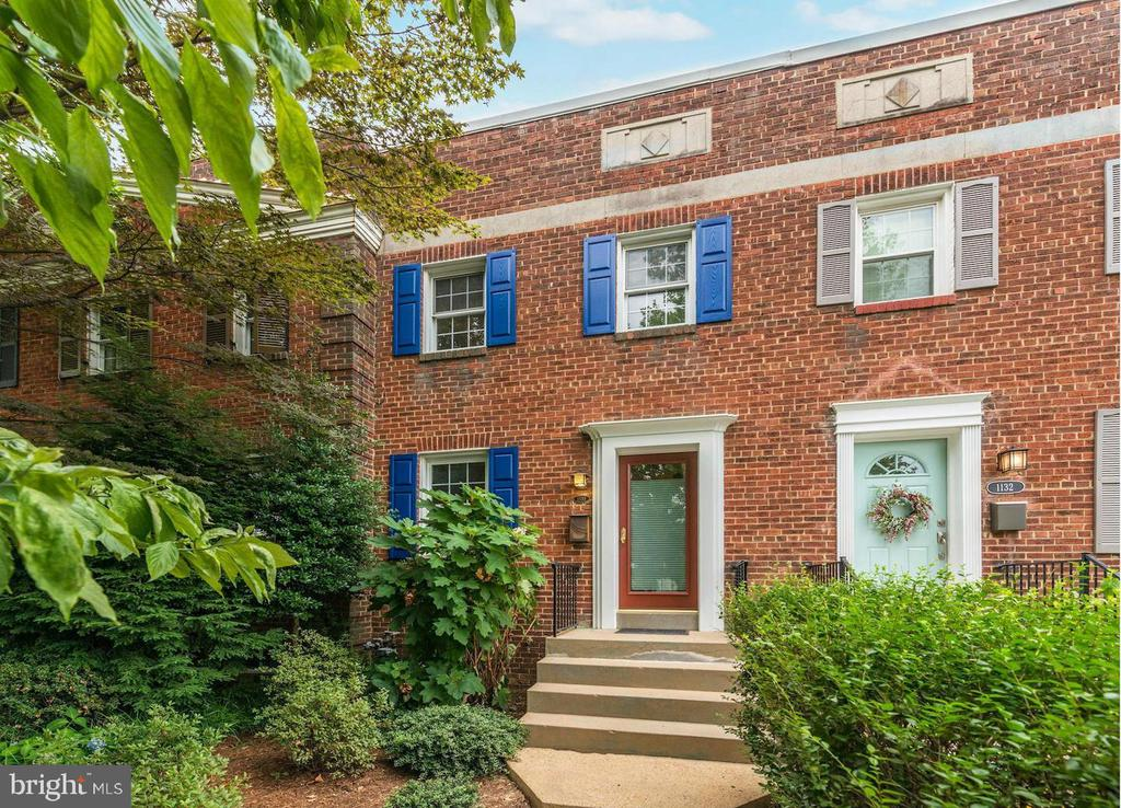 A classic Old Town row home meets a modern kitchen! Warm color cabinets, accent and task lightening, built in seating and storage. Smart storage organization outfits each closet. Enjoy the awning on your tile patio, fully fenced rear courtyard, walk out terrance level. Blocks to Braddock Metro stop and backs to the park,