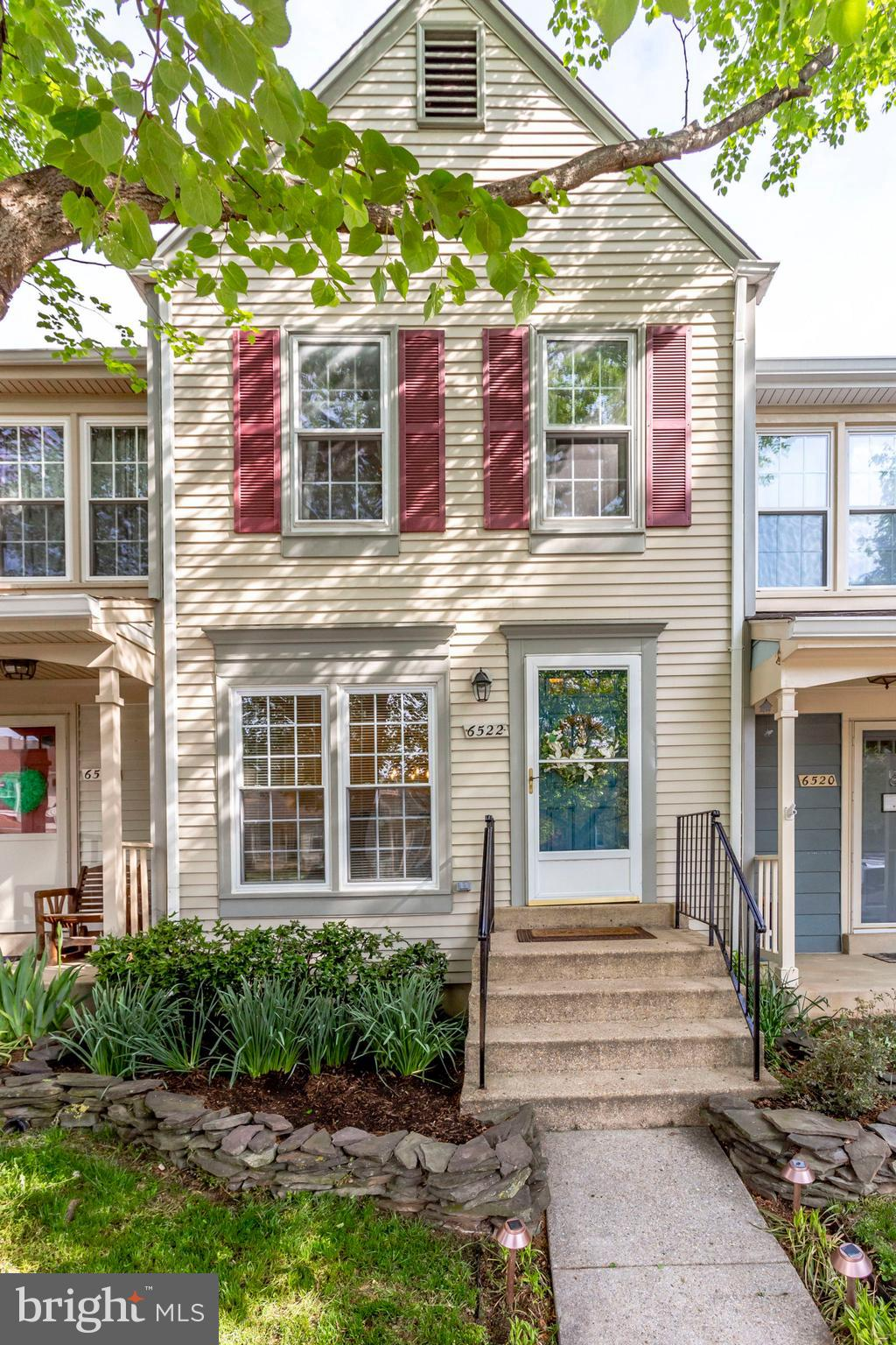 Location!!! Amazingly bright townhouse in South Kings Station. This 2 bedroom 2.5 bath has new carpet and has been meticulously maintained. Beautifully painted throughout it gives the feeling of spaciousness. The master offers double closets, skylights and vaulted ceilings. The cosy lower level is perfect for turning on the fire and watching movies. The lower level also offer tons of storage! They is an extra room that can hold all the Costco shopping you can do! The best part might be the lovely fenced in backyard backing to trees. Close to Huntington Metro, shops, restaurants and so much more! You don't want to miss this one! It will go quickly. First open will be Sunday, May 5, 2-4pm.