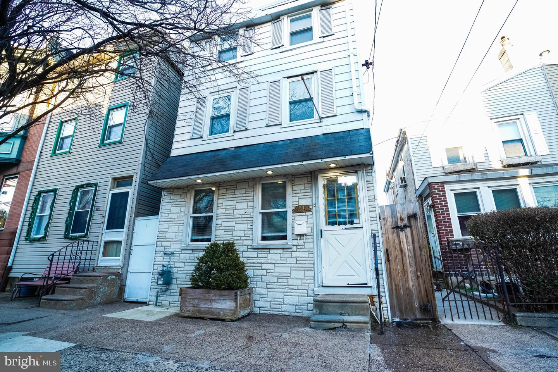 1237 E Fletcher Street Philadelphia, PA 19125