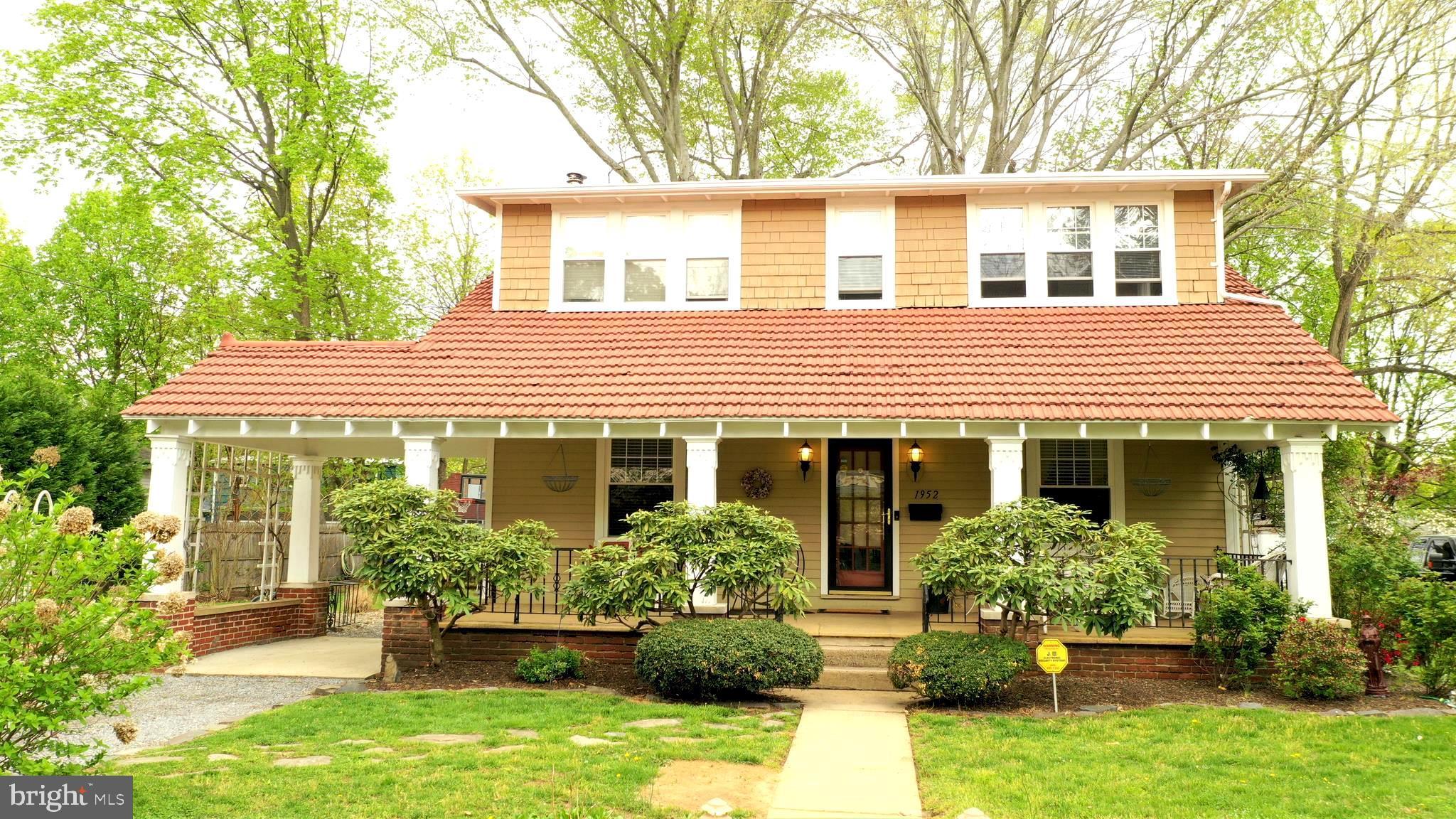 1952 E MCGALLIARD AVE, HAMILTON, NJ 08610