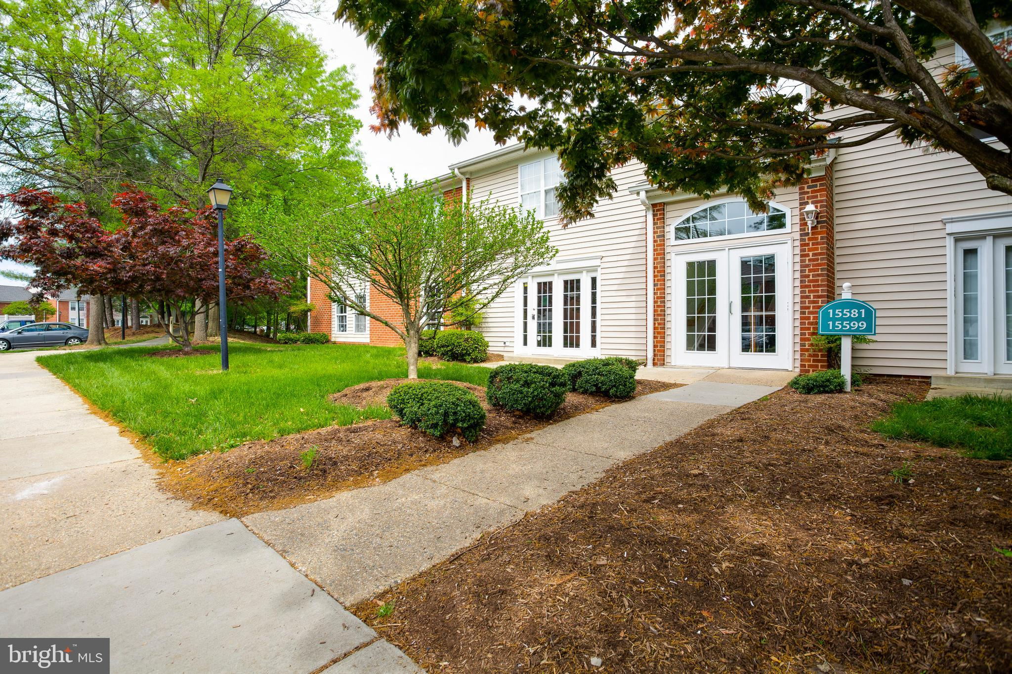 Come view this rare renovated 3BR, 2BA condo in the heart of Woodbridge. This turn-key unit has brand new carpeting and has been freshly painted throughout. The kitchen boasts stainless steel appliances, granite counters and well-maintained cabinets. The dining / living room combo maximizes the open floor plan. The location is unbeatable with quick access to I-95, Rt. 1, and the Rippon Landing VRE.  Stonebridge at Potomac Town Center is conveniently located five minutes away for all your entertainment / shopping needs.