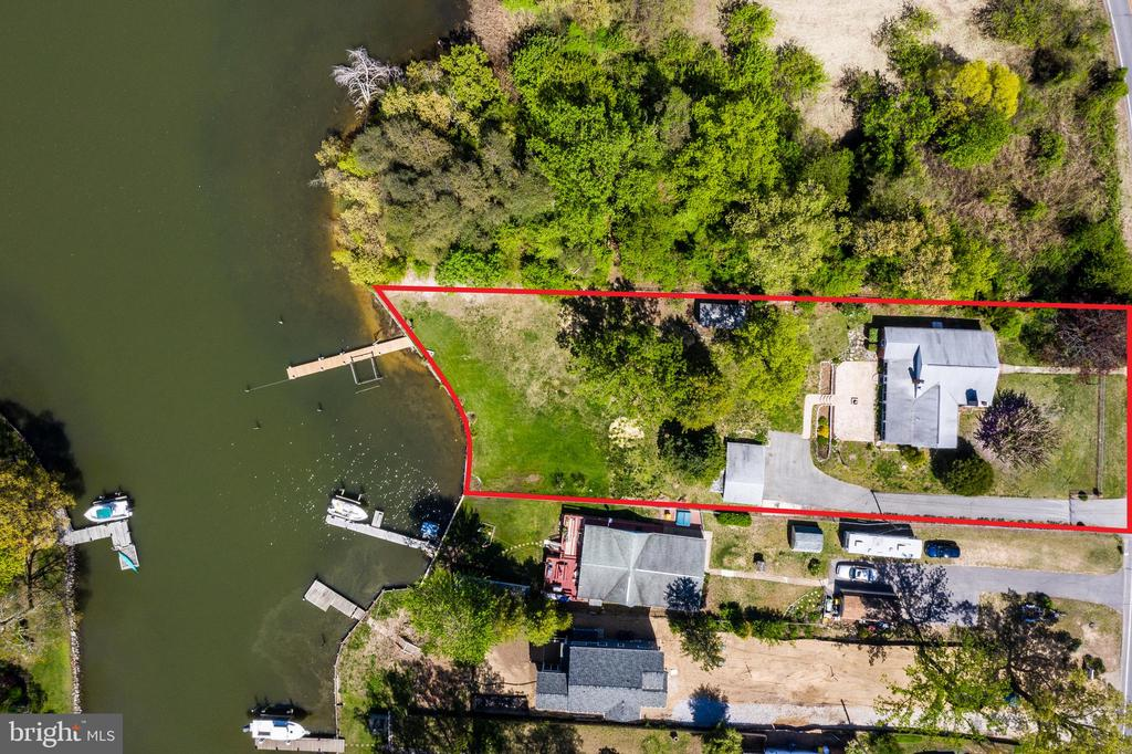 Large all brick rancher located on Broadneck Peninsula. Easy access to the bay on protected water. Large lot allows potential expansion. Detached garage.