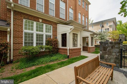 4453-A Beacon Grove Cir #707a, Fairfax, VA 22033