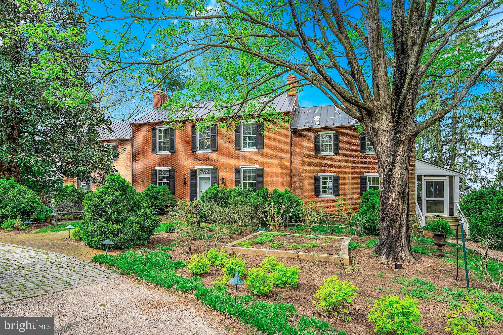 40041 HEDGELAND LANE, WATERFORD, VA 20197