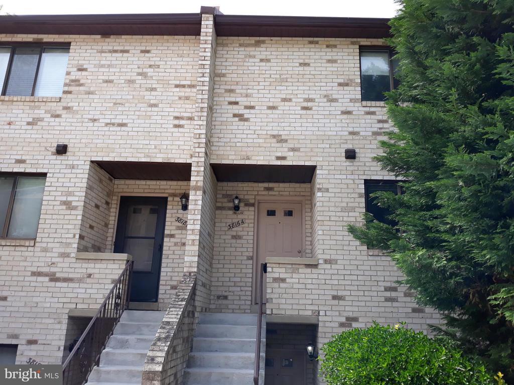 3816-A Steppes Ct, Falls Church, VA 22041