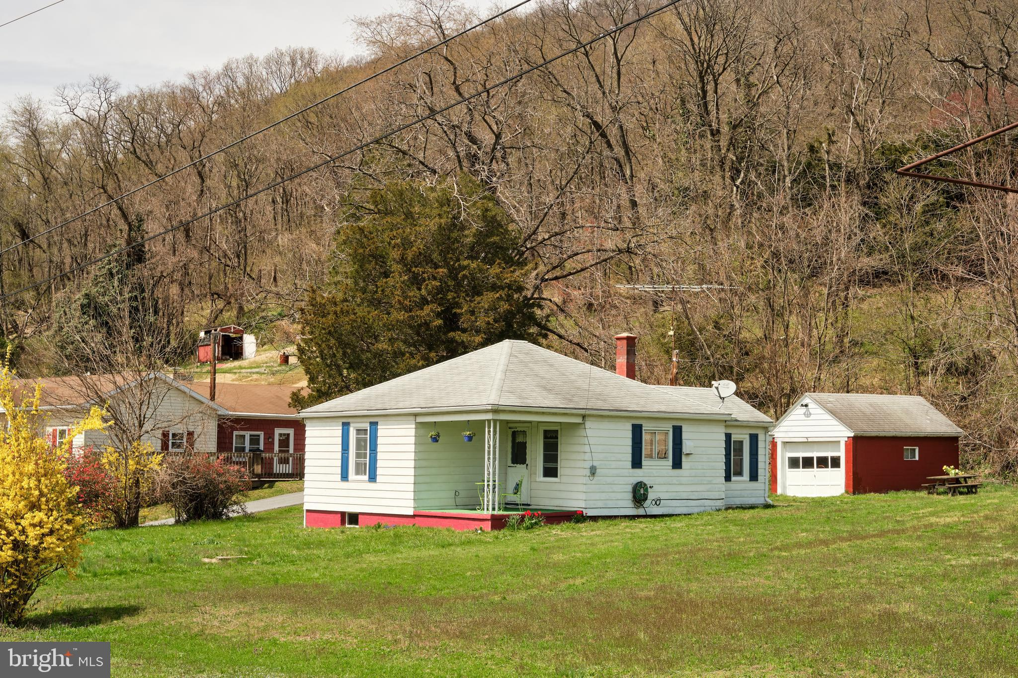 1901 OLD STATE ROAD, DAUPHIN, PA 17018