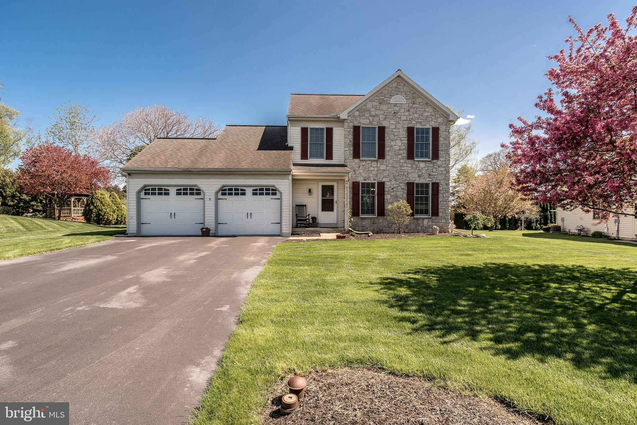 84 WILLOW RIDGE, NEW HOLLAND, PA 17557
