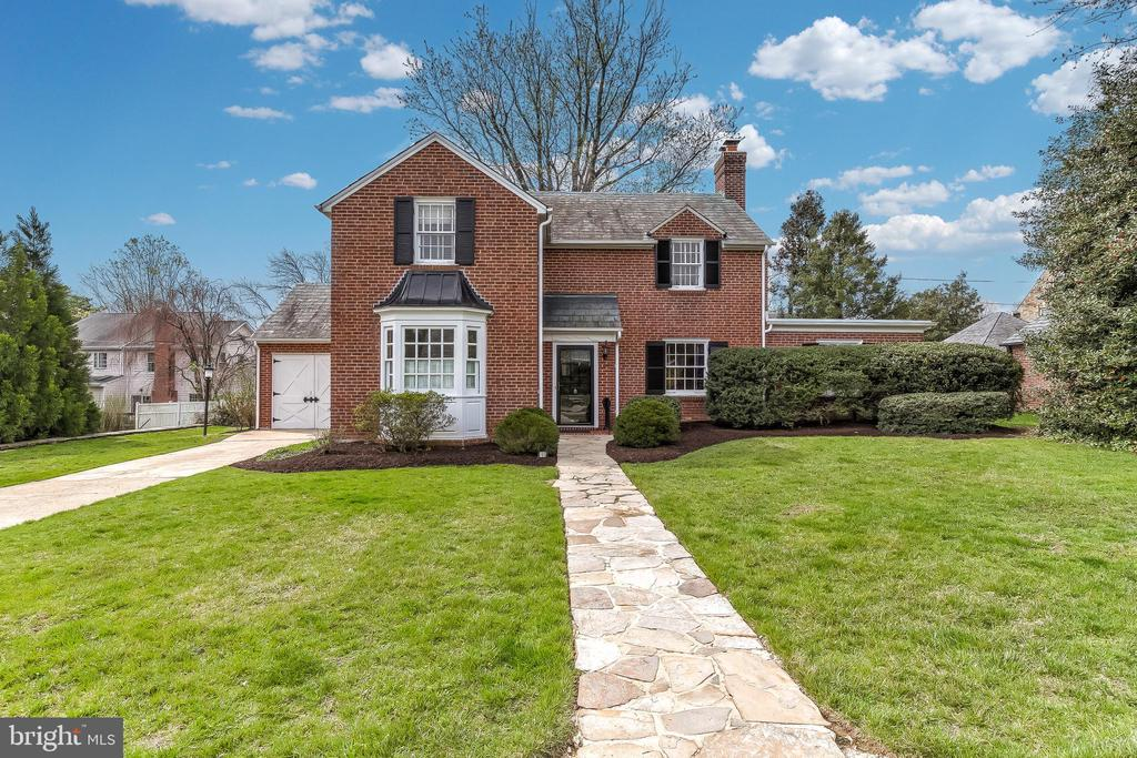 An absolutely charming house in coveted North Roland Park.  This all brick center hall colonial has wonderfu living space.  A formal living room and dining room are flanked by a large den and updated eat-in kitchen.  A large basement recreation room, a main-level oversized laundry room and endless storage provide unlimited options!  Gorgeous hardwood floors, wood burning fireplace, crown molding and streaming natural light make this home a Roland Park treasure.  A wonderful location on St Georges - just steps from the foot path to school fields and bridges.   A wonderful place to call home!