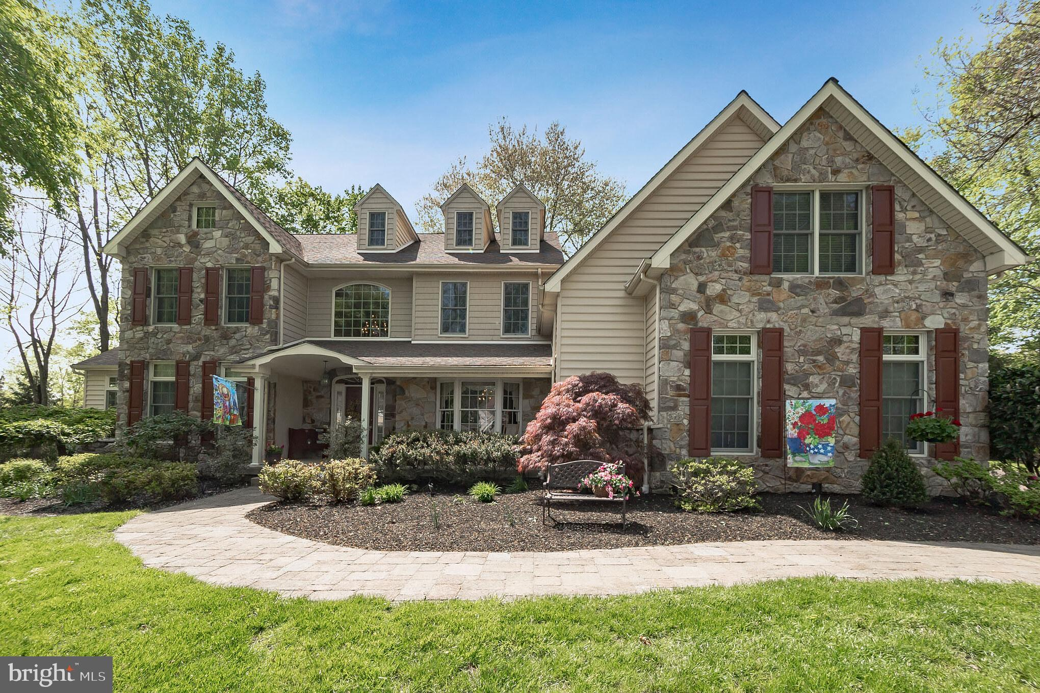 11 FORREST LANE, SPRINGFIELD, PA 19064