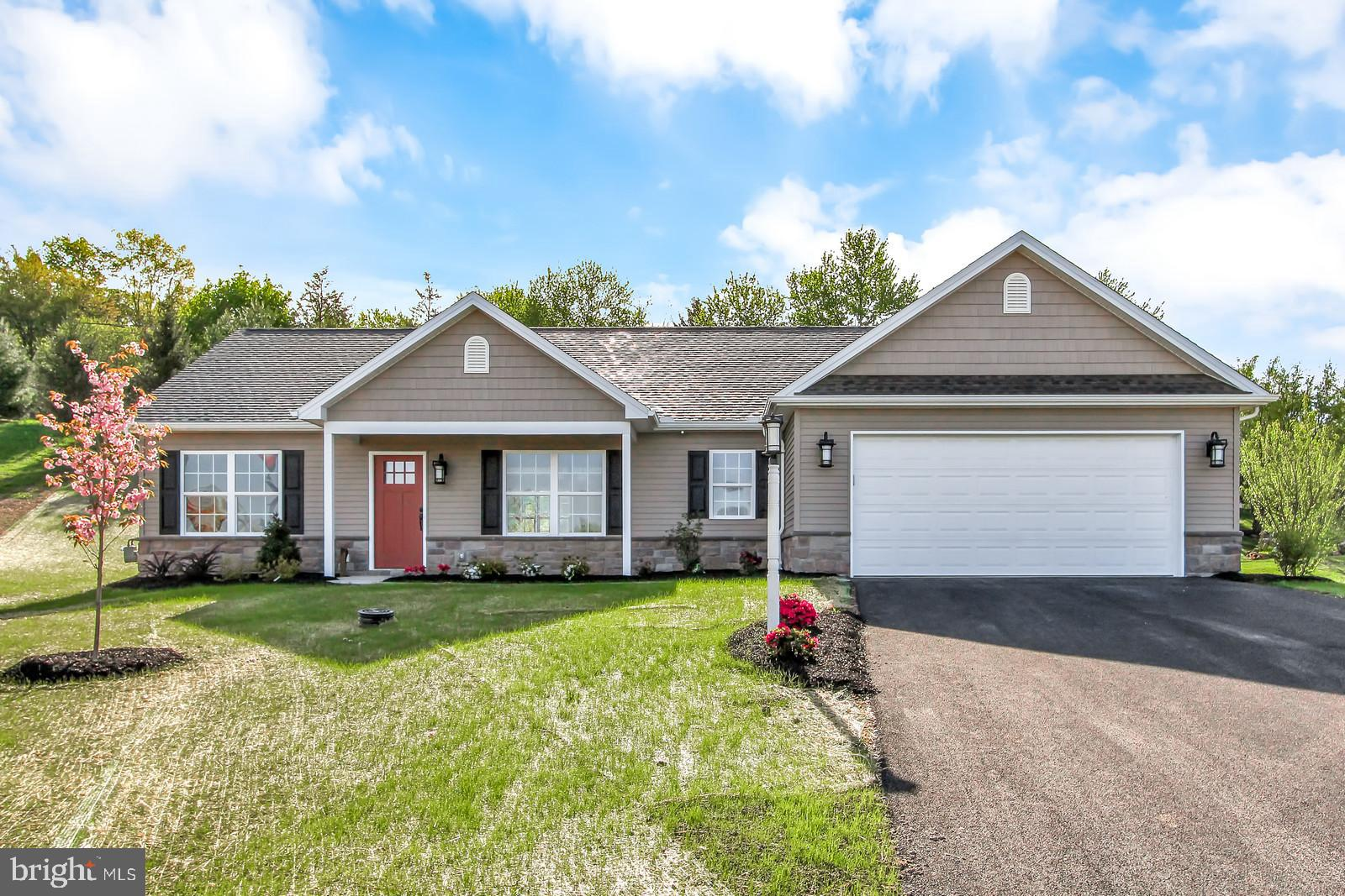 320 BARCLAY DRIVE, RED LION, PA 17356