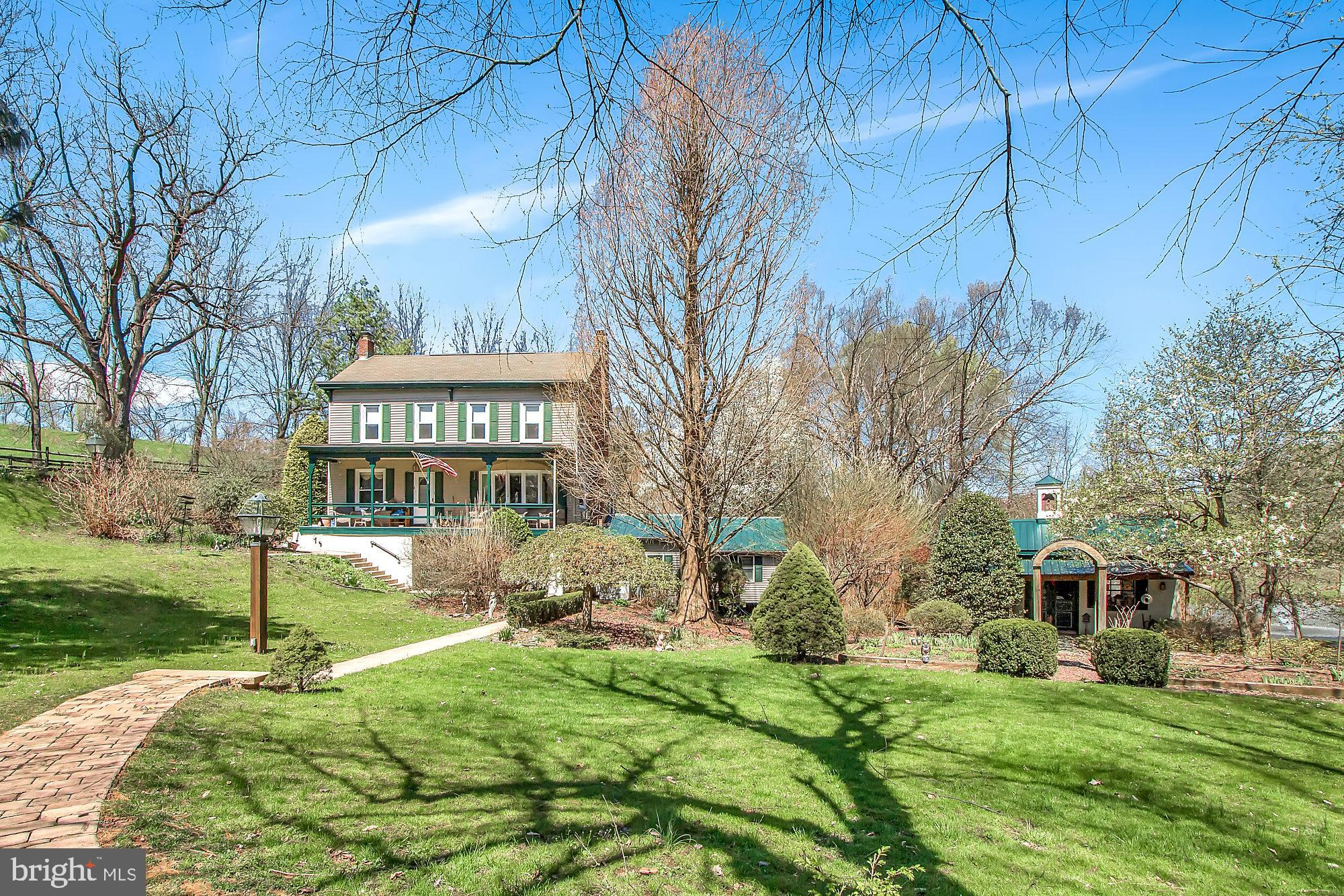 445 IMPERIAL DRIVE, MOHNTON, PA 19540