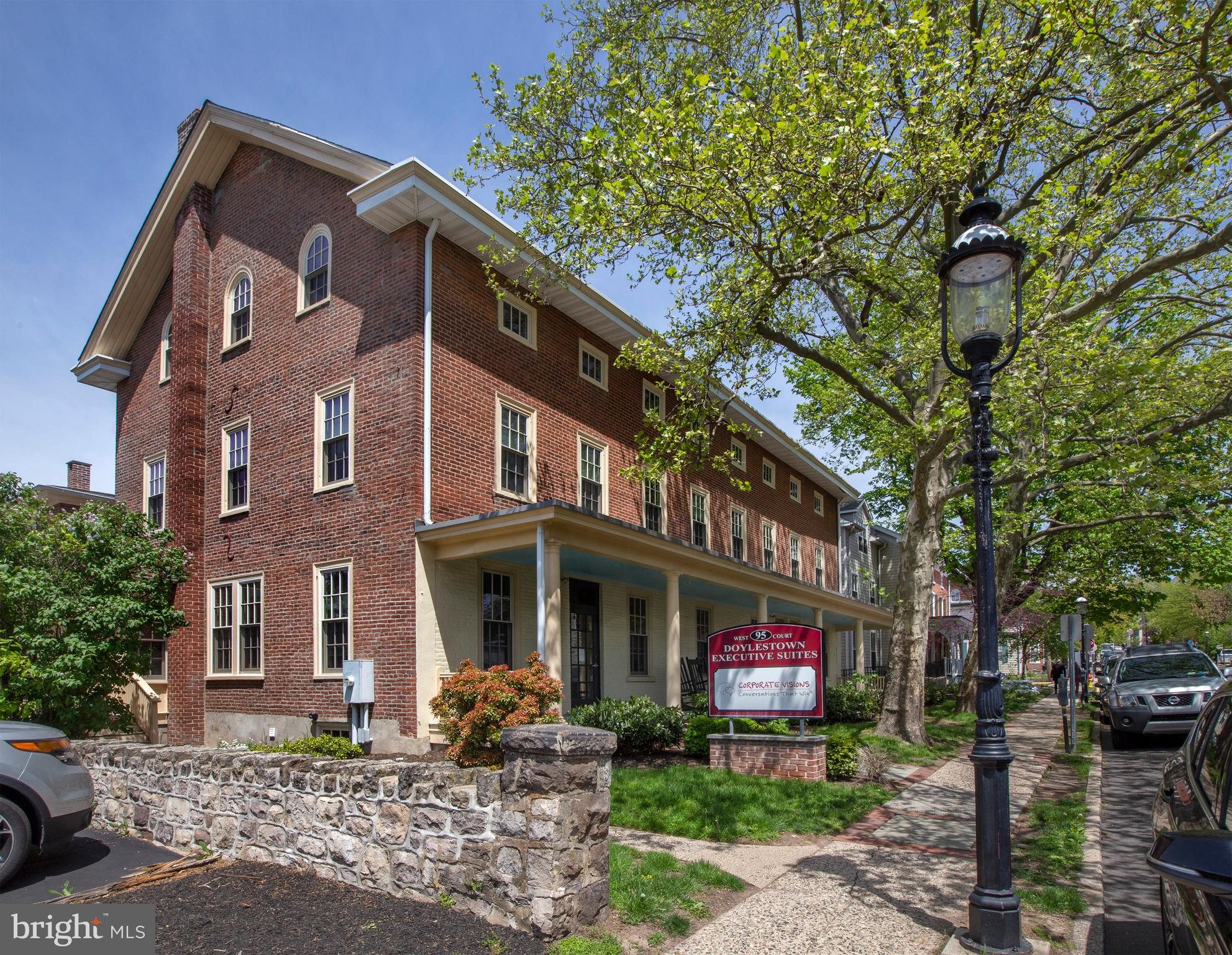 95 W COURT STREET, DOYLESTOWN, PA 18901