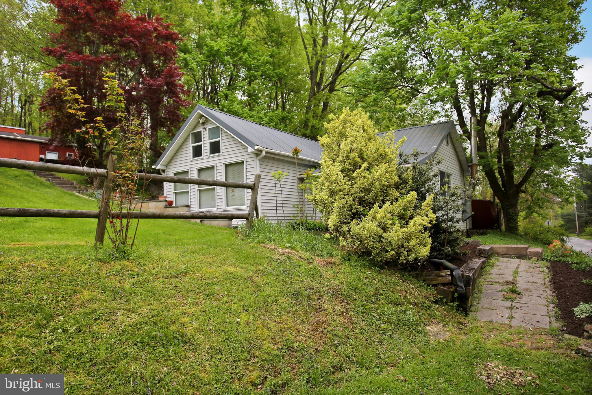 2459 COUNTY LINE ROAD, YORK SPRINGS, PA 17372