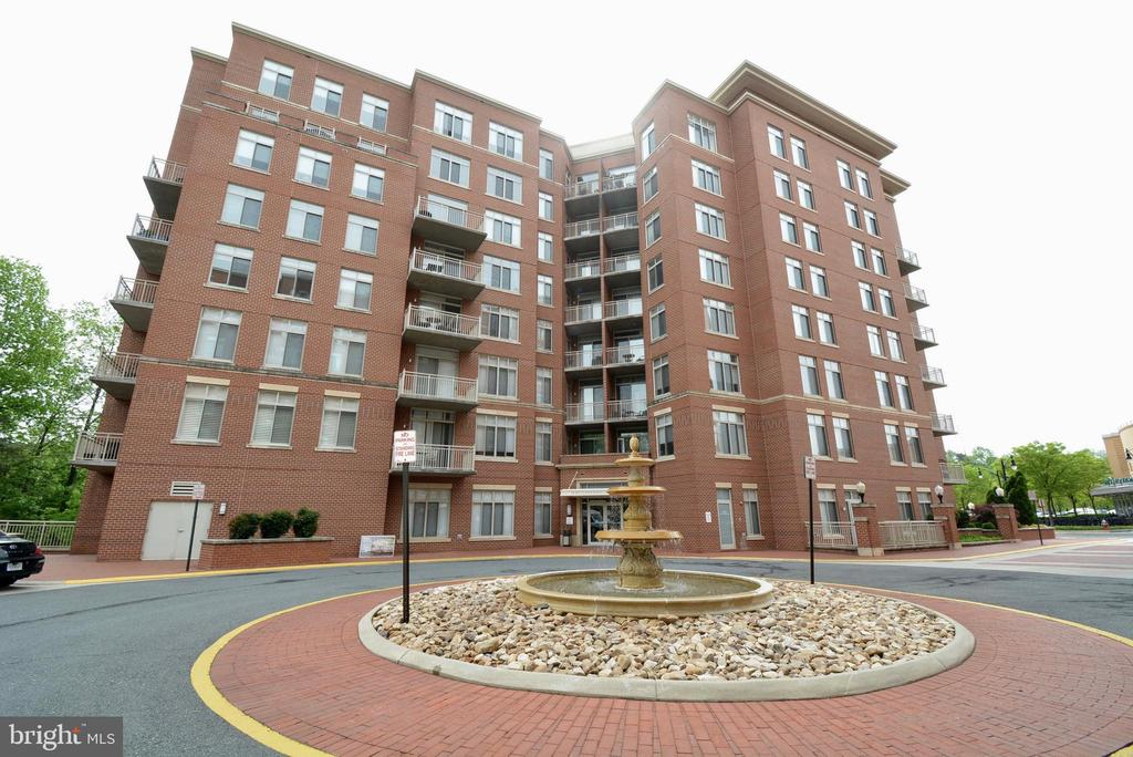 4480 Market Commons Dr #315