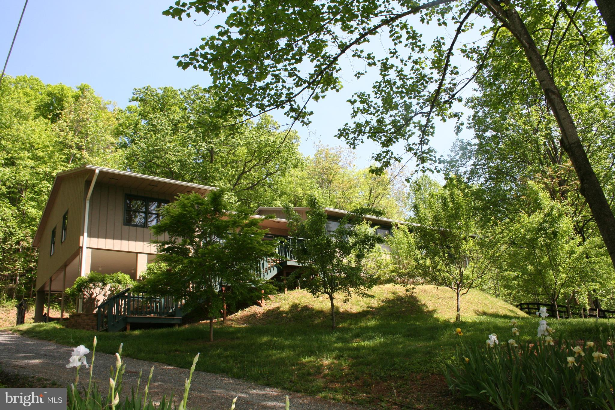 1475 BULL YEARLING RD, STANARDSVILLE, VA 22973