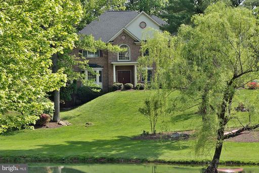 9903 Deerfield Pond Dr