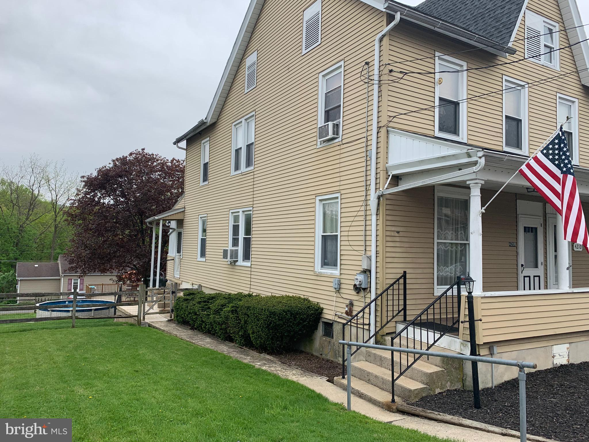 4208 MAIN STREET, SLATINGTON, PA 18079