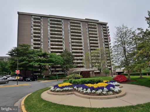 Photo of 1800 Old Meadow Rd #1114