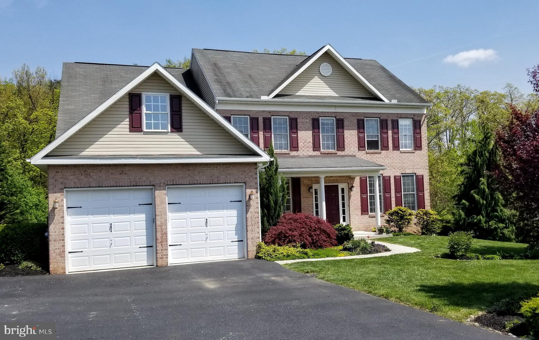 7946 GOLF VISTA DRIVE, GREENCASTLE, PA 17225