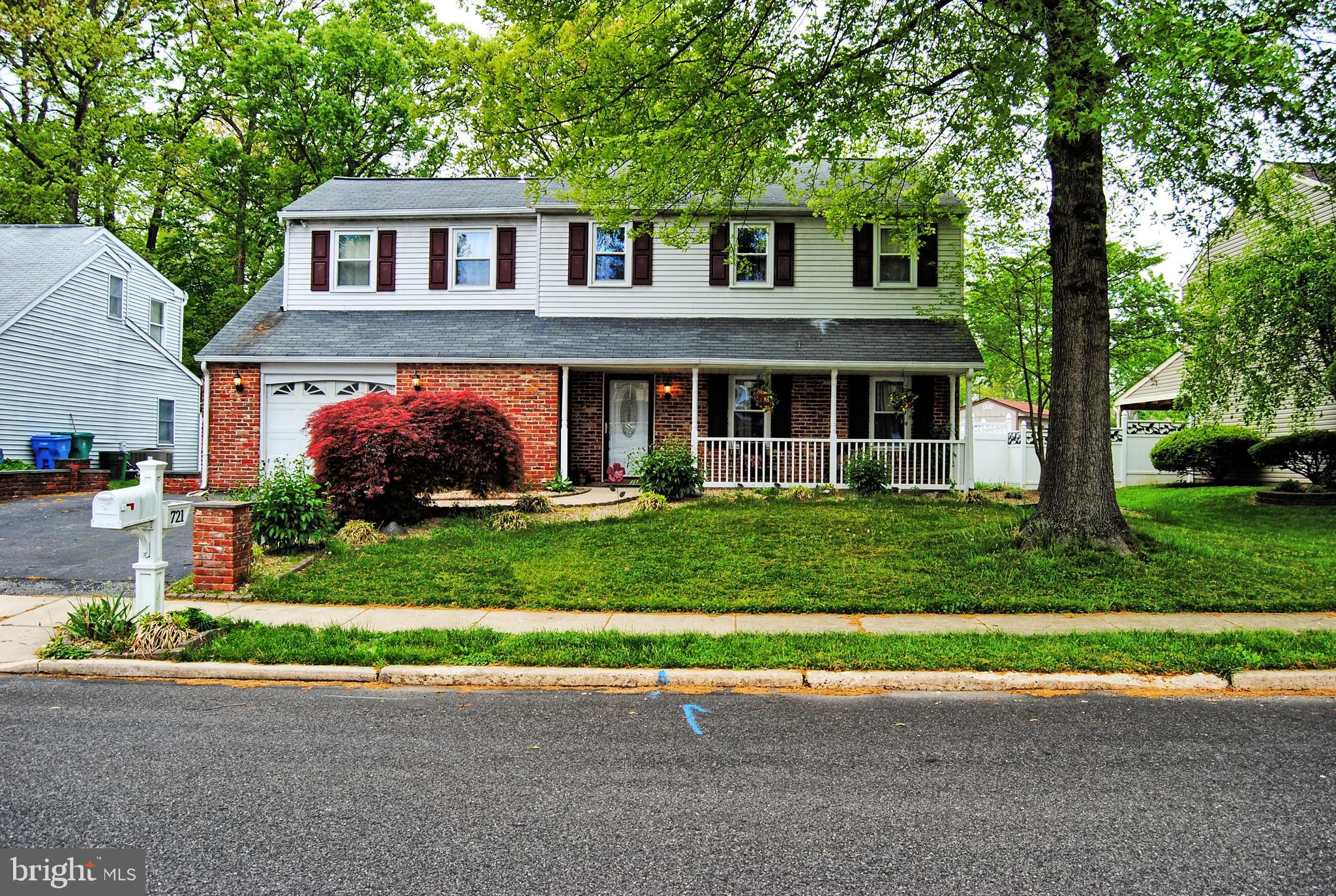 721 FAIRBRIDGE DRIVE, FAIRLESS HILLS, PA 19030