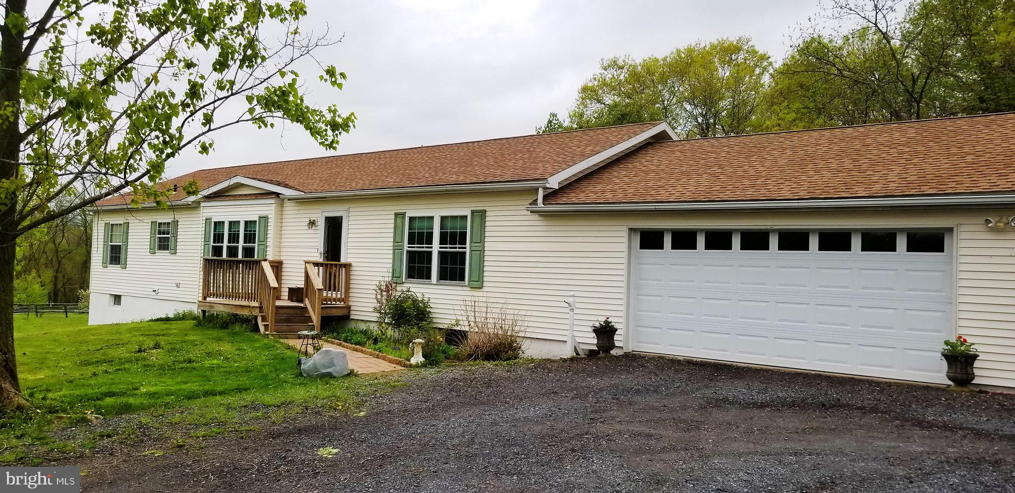 214 FOX ROAD, SCHUYLKILL HAVEN, PA 17972