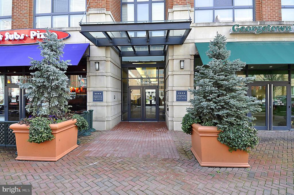 Easy, hip & cool living with Old Town, PTO, King Street Metro, restaurants just steps away...sparkling one-bedroom at Carlyle Square includes 1 garage parking space.