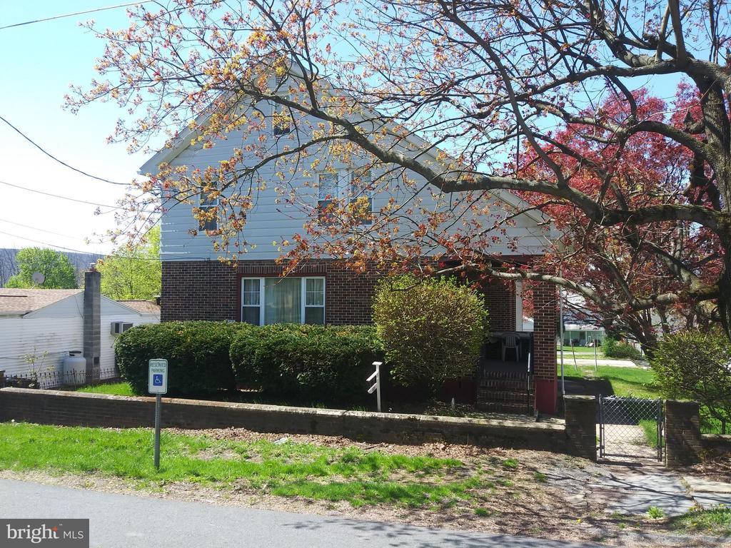 409 CATHERINE STREET, ASHLAND, PA 17921