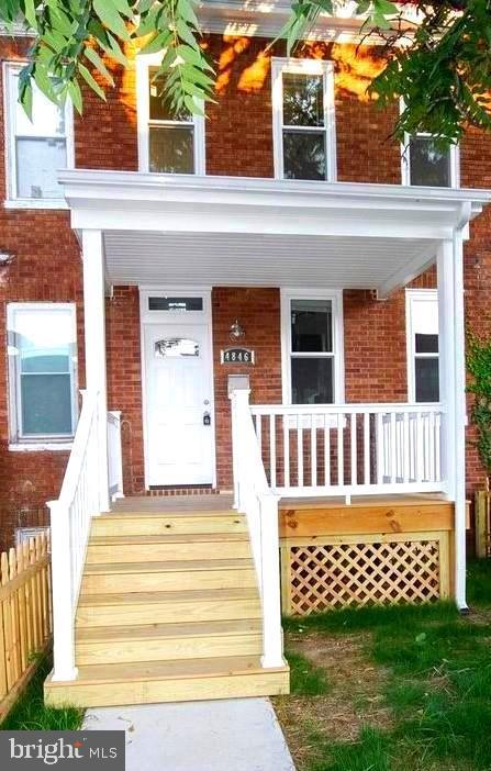 Perfect for first time home buyer or investor looking to add to your positive rental portfolio.  Totally renovated with all new plumbing, electrical, heating and cooling, stainless steel appliances, granite countertop, tiled backsplash both kitchen and bathroom.