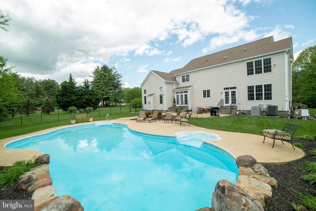 6508  GRIFFITH ROAD, Gaithersburg, Maryland