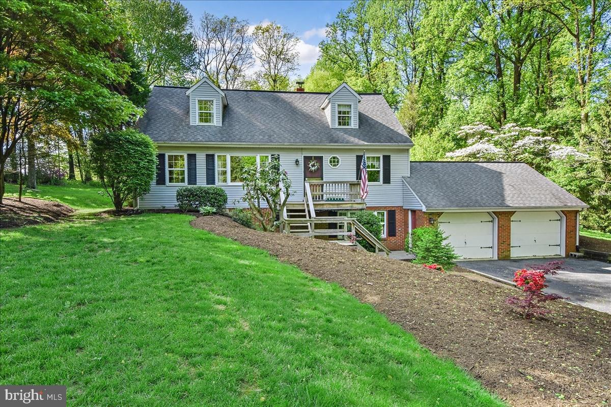 24 ECHO VALLEY DRIVE, NEW PROVIDENCE, PA 17560