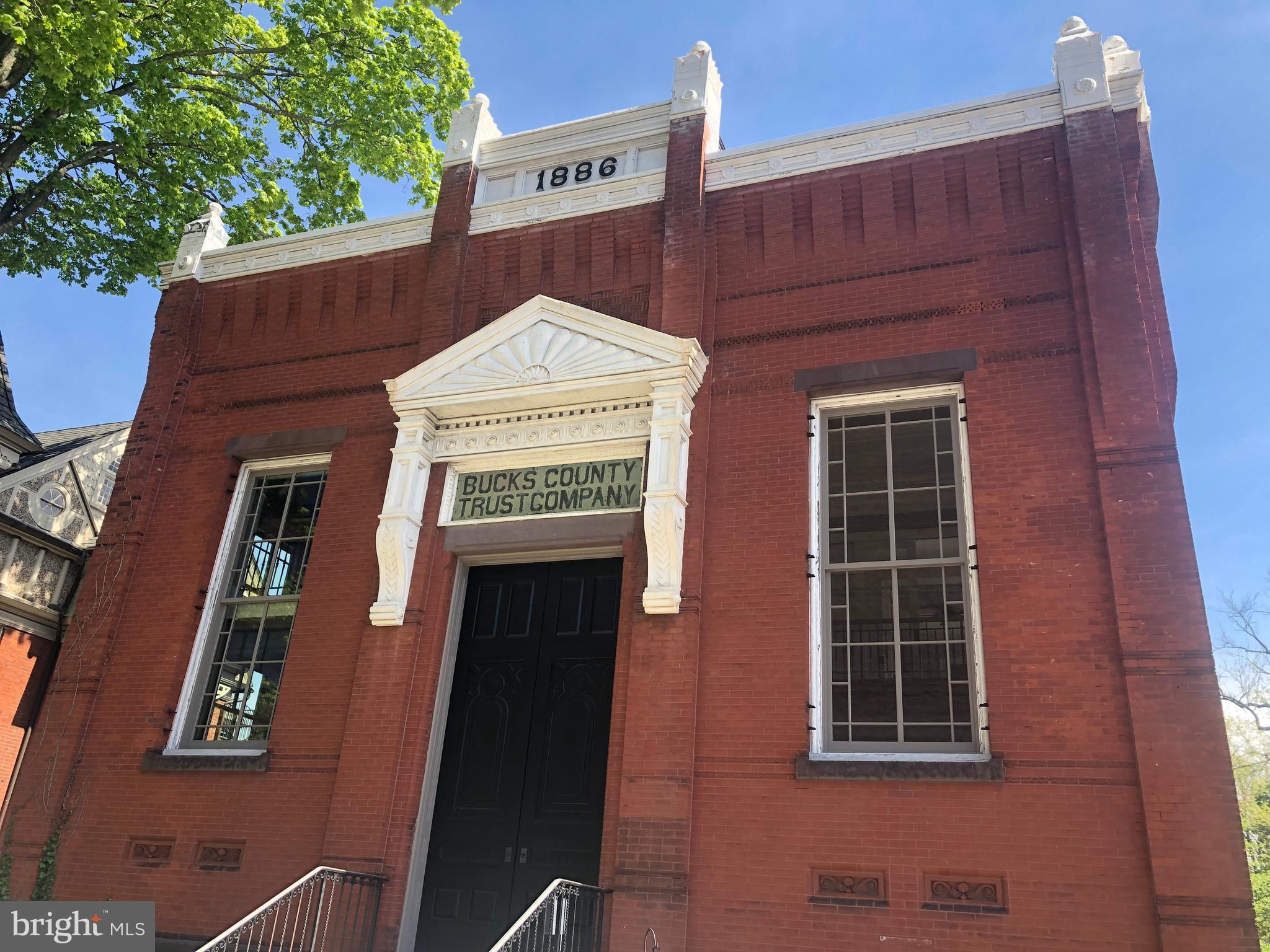 89 E COURT STREET, DOYLESTOWN, PA 18901