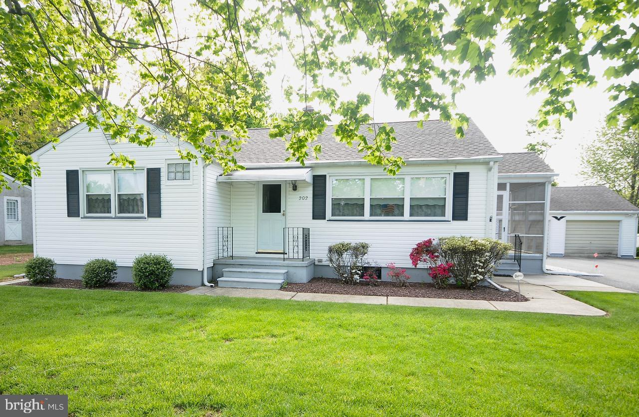 202 S WEST AVENUE, MINOTOLA, NJ 08341