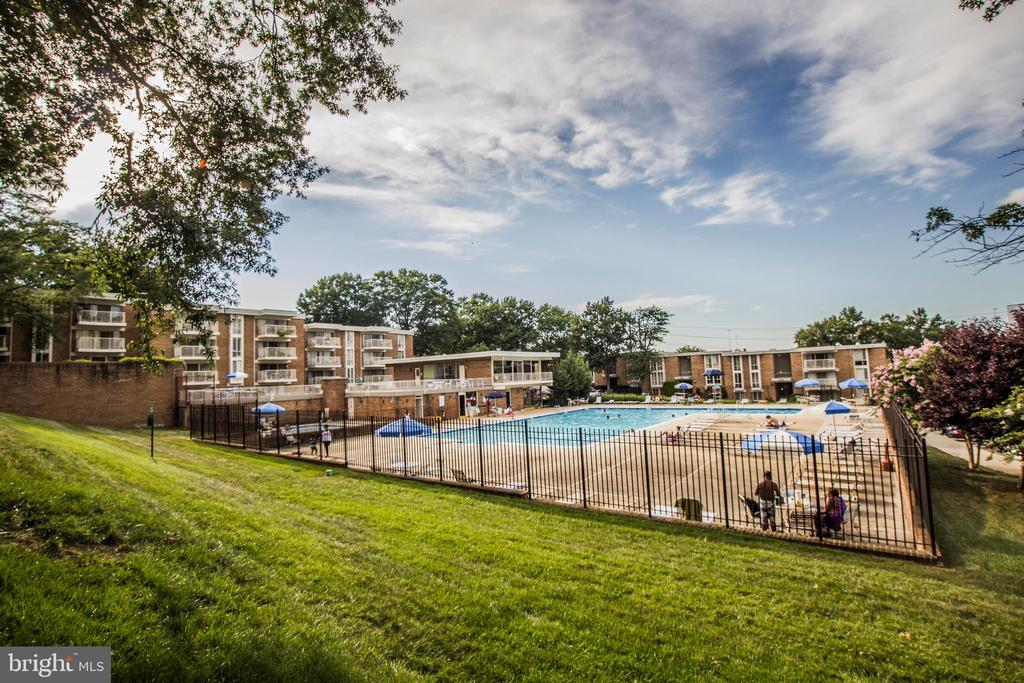 Photo of 2646 Redcoat Dr #1b