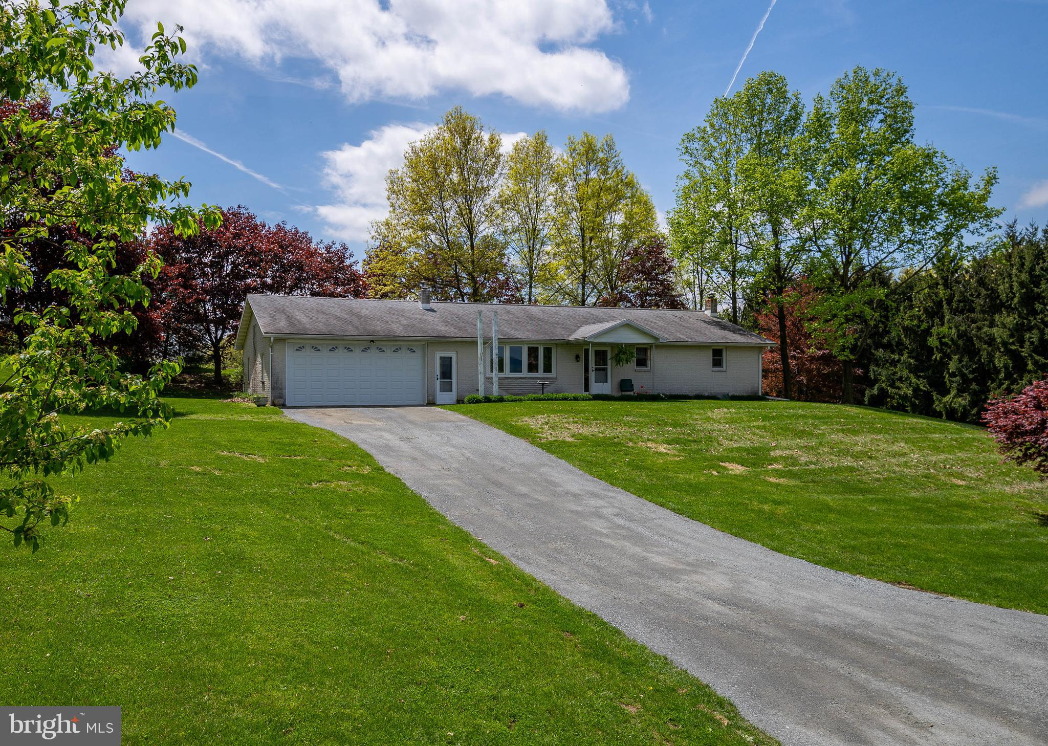 443 HICKORY ROAD, MOHRSVILLE, PA 19541