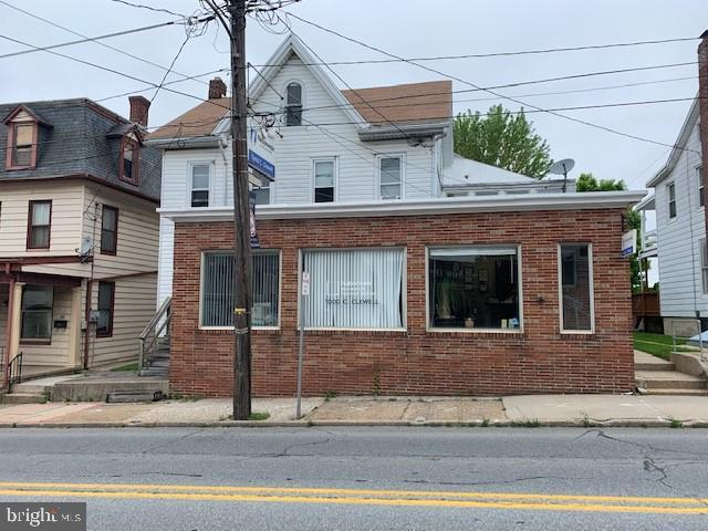63 E MAIN STREET, DALLASTOWN, PA 17313