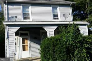 Two units appt. with wooding laminated flooring well kept and upgrade for the right person. City dwelling with a county flavor. Close to major shopping centers, beltway, and the house of worship.