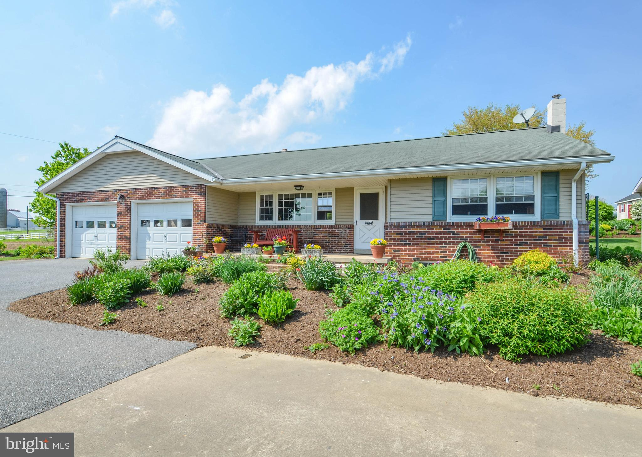 223 N HARVEST ROAD, RONKS, PA 17572