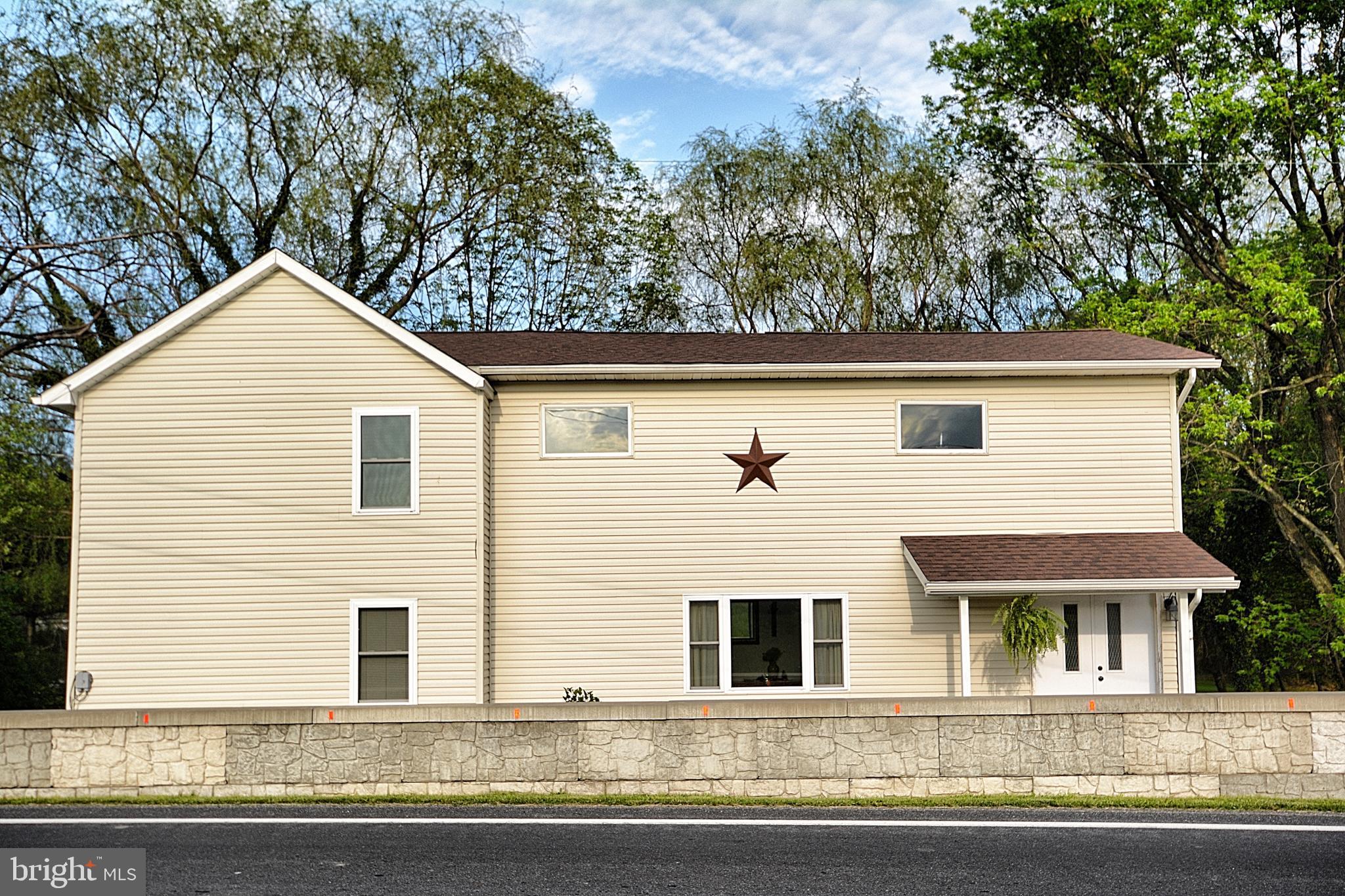 4308 MOUNTAIN ROAD, SLATINGTON, PA 18080