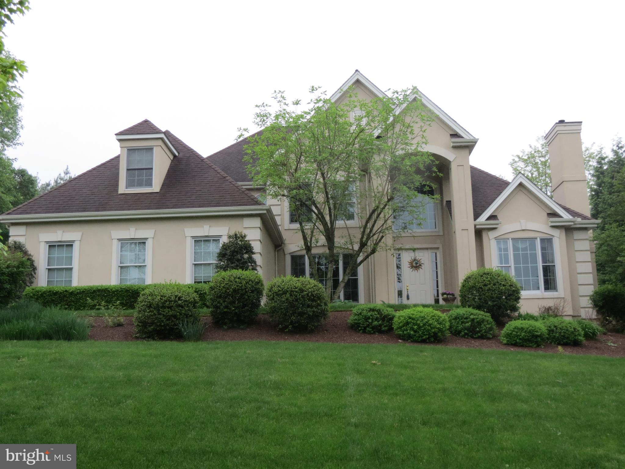 1011 PEGGY DRIVE, HUMMELSTOWN, PA 17036