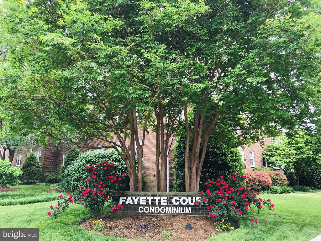 706 S Fayette St #21, Alexandria, VA 22314