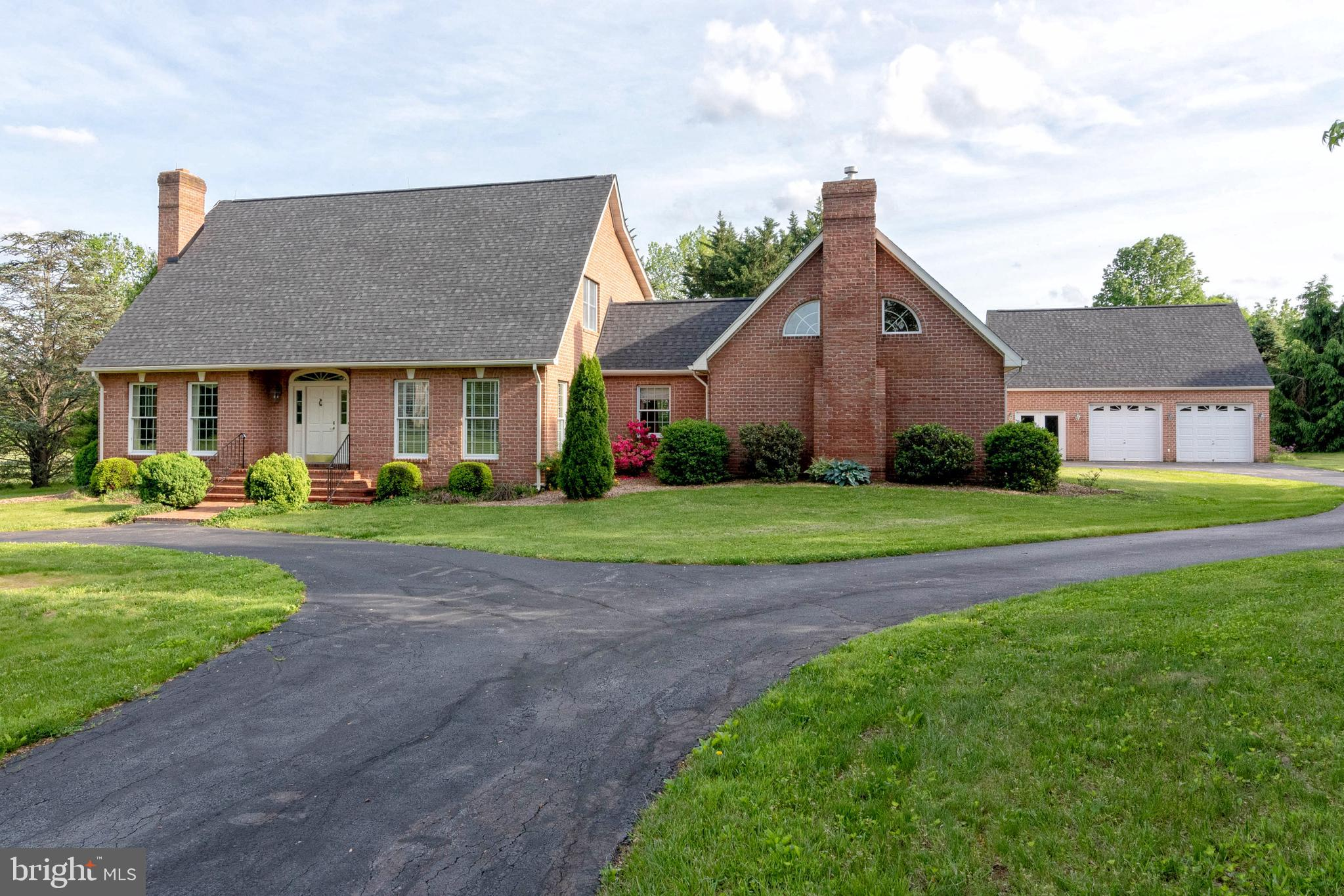 250 UVILLA ESTATES DRIVE, SHENANDOAH JUNCTION, WV 25442