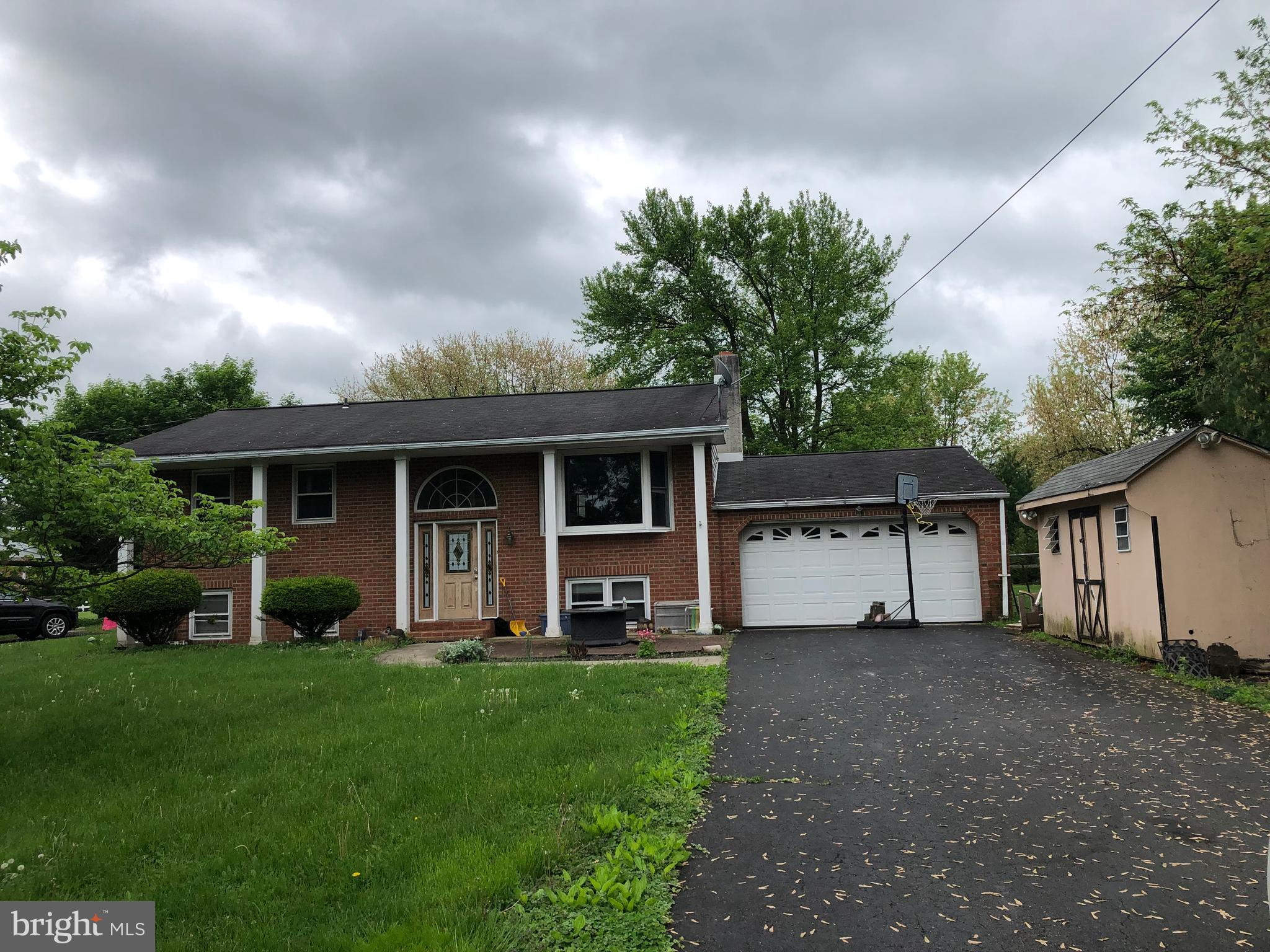 160 W 2ND STREET, RED HILL, PA 18076