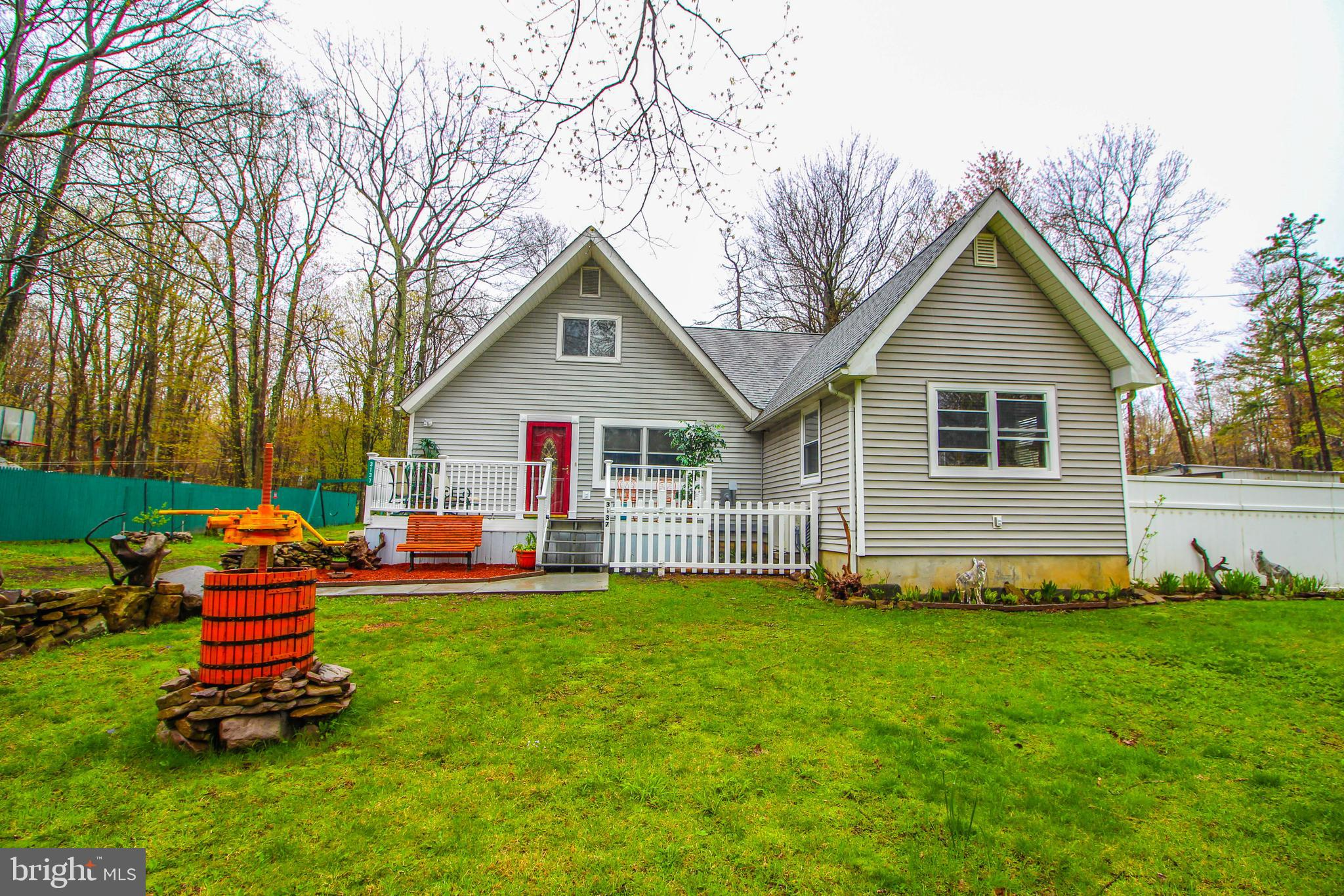 3137 FERN ROAD, POCONO SUMMIT, PA 18346